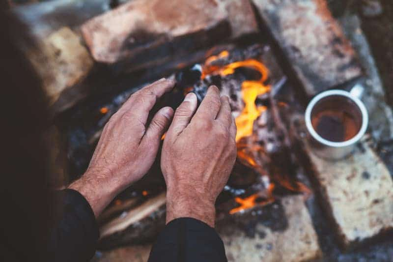 How to Stay Warm Camping: 10 Tips to Follow