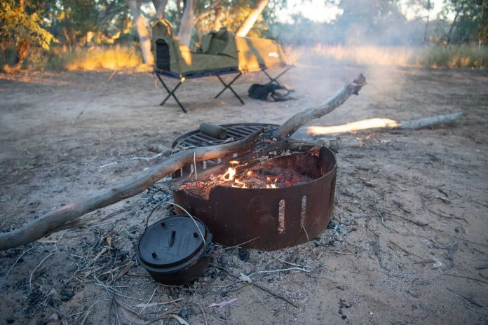 making a camping box oven outdoors