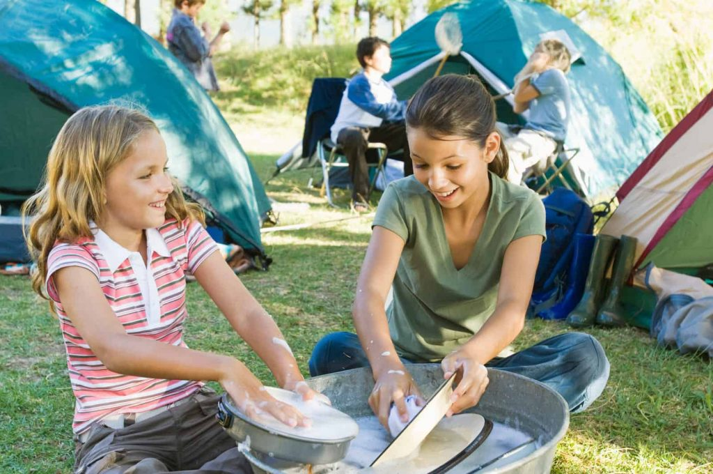 How to Wash Dishes While Camping in 8 Steps
