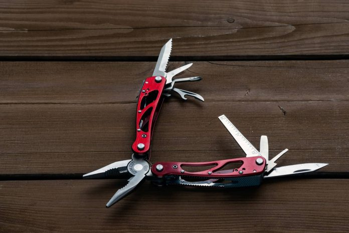 camping multi tool with several functionalities