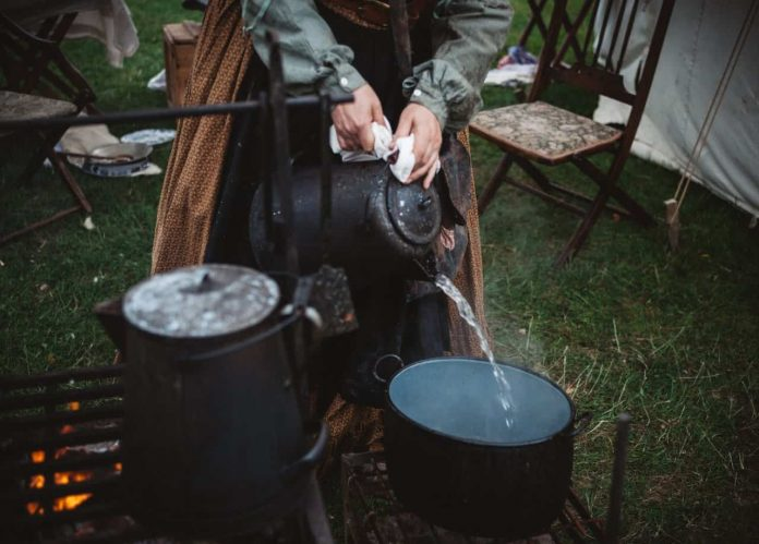 boil water camping outdoors