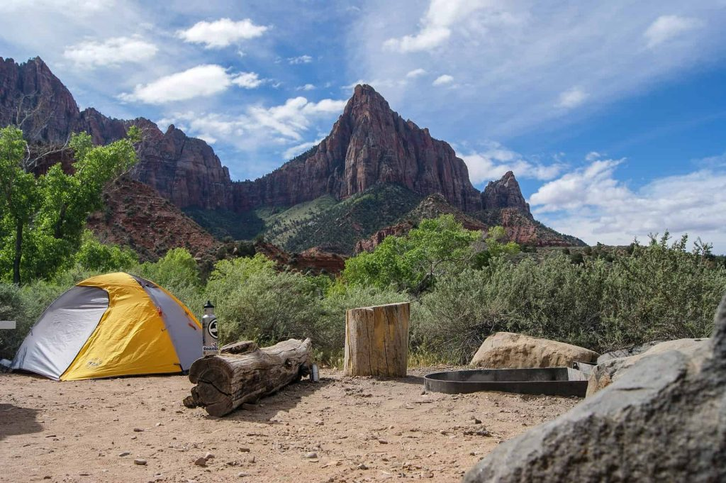 stay cool while camping outdoors in the heat