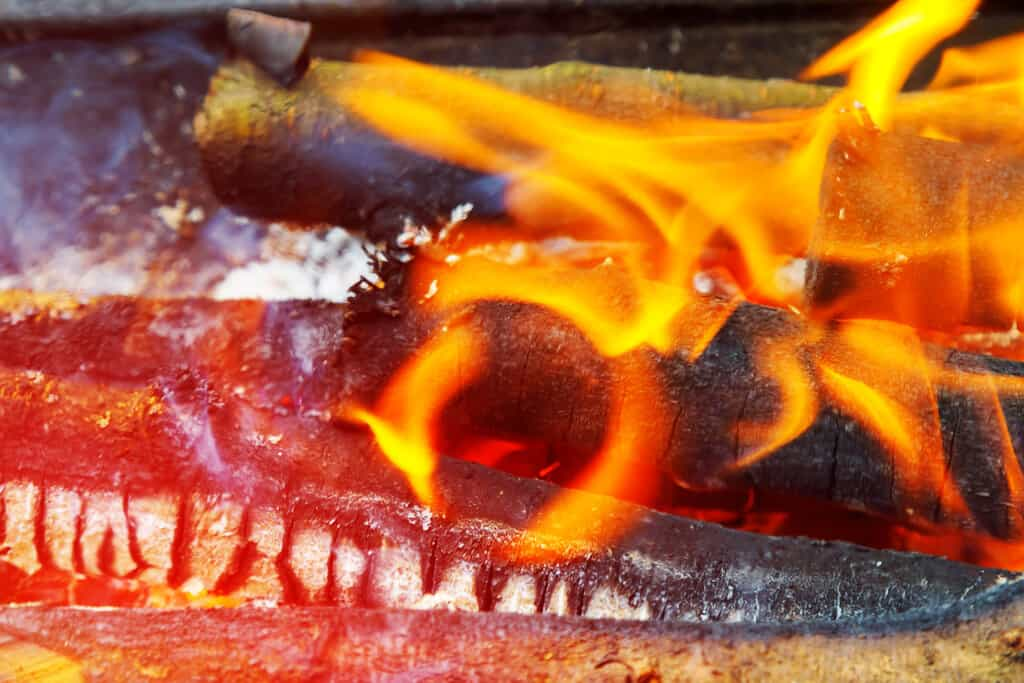 how to make camp oven with fire